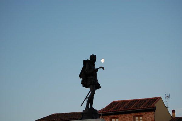 Visita de verano en Alcalá de Henares... y disfruta al anochecer de un bello jardín