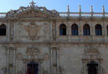 La fachada de la Universidad. Restauraciones