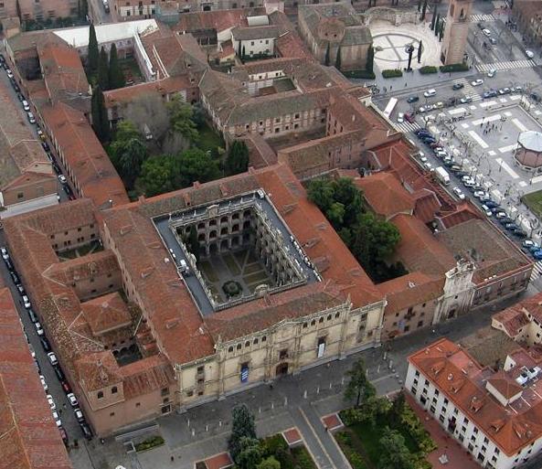 Manzana fundacional cisneriana de la Universidad de Alcalá declarada BIC