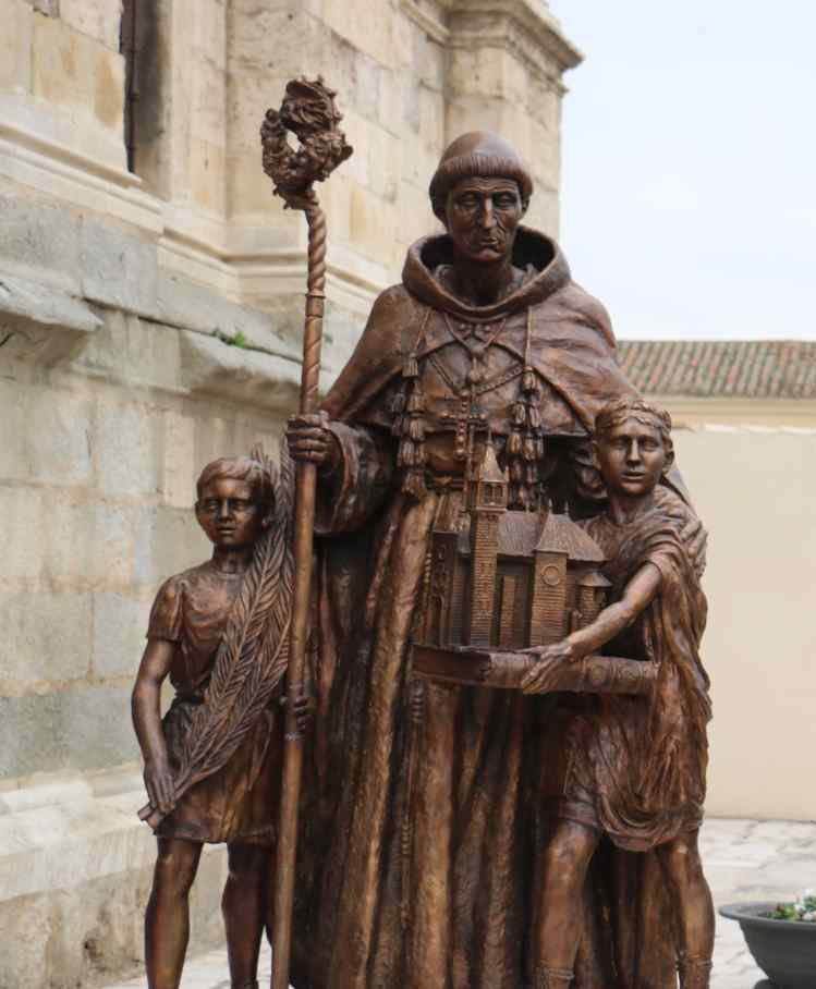 La lonja de la Catedral Magistral de Alcalá de Henares